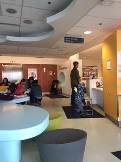 トロントの小児科ウォークインクリニックへ行ってきました。待たされることを覚悟しましょう。