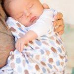 【助産師のアドバイス】完全母乳にしたいなら、夜に頻回授乳しなさい。その理由とは?