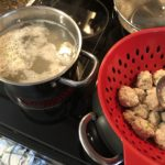 4歳児と一緒に料理~簡単!初めての肉団子作り!