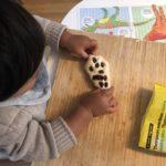 1歳児とパン作り〜こねて混ぜて楽しいレーズンパン